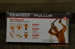 New Perfect Pullup with rotating handles in Okinawa, Japan